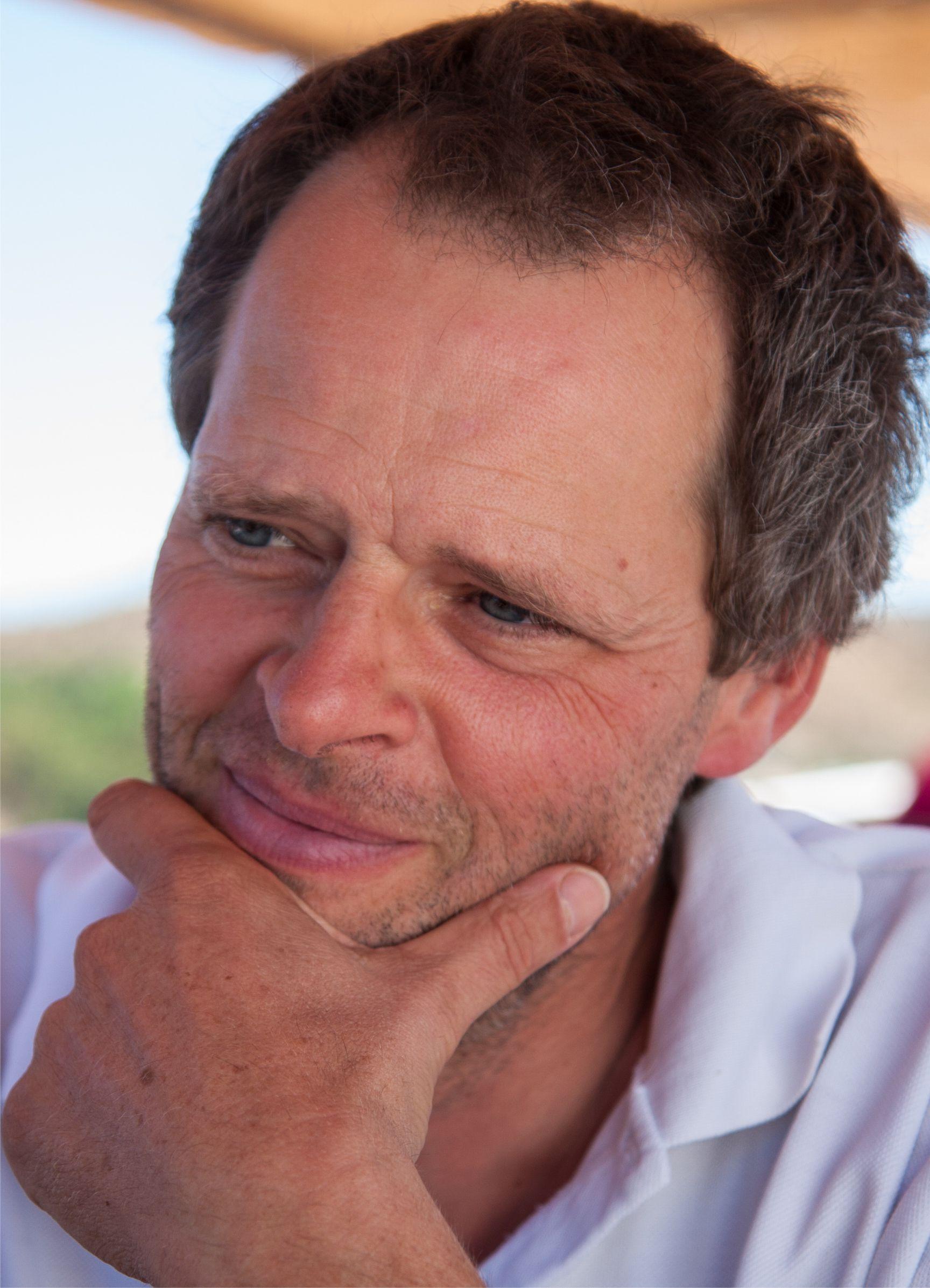François Goris, produtor de óleos essenciais biológicos em Portugal.